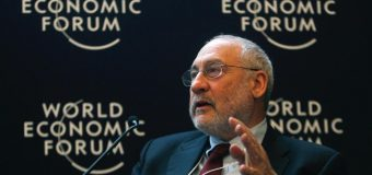 Σχολιασμός συνέντευξης: Joseph Stiglitz discusses 'value crisis' at Davos, Greek crisis